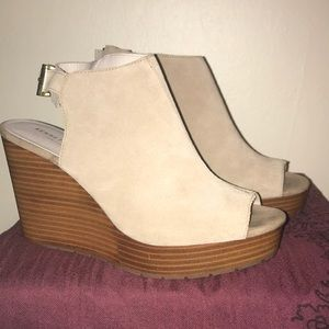 Kenneth Cole wedges